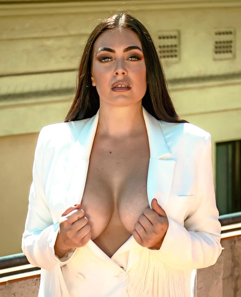 Jessica on tuttu myös Playboy-lehden sivuilta.