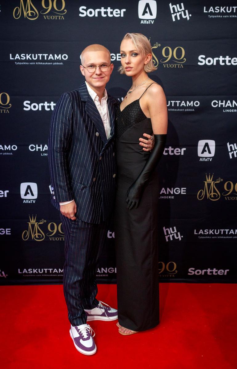 Anni Harjunpää ja poikaystävä AJ eivät ole ennen lauantaita näyttäytyneet yhdessä.