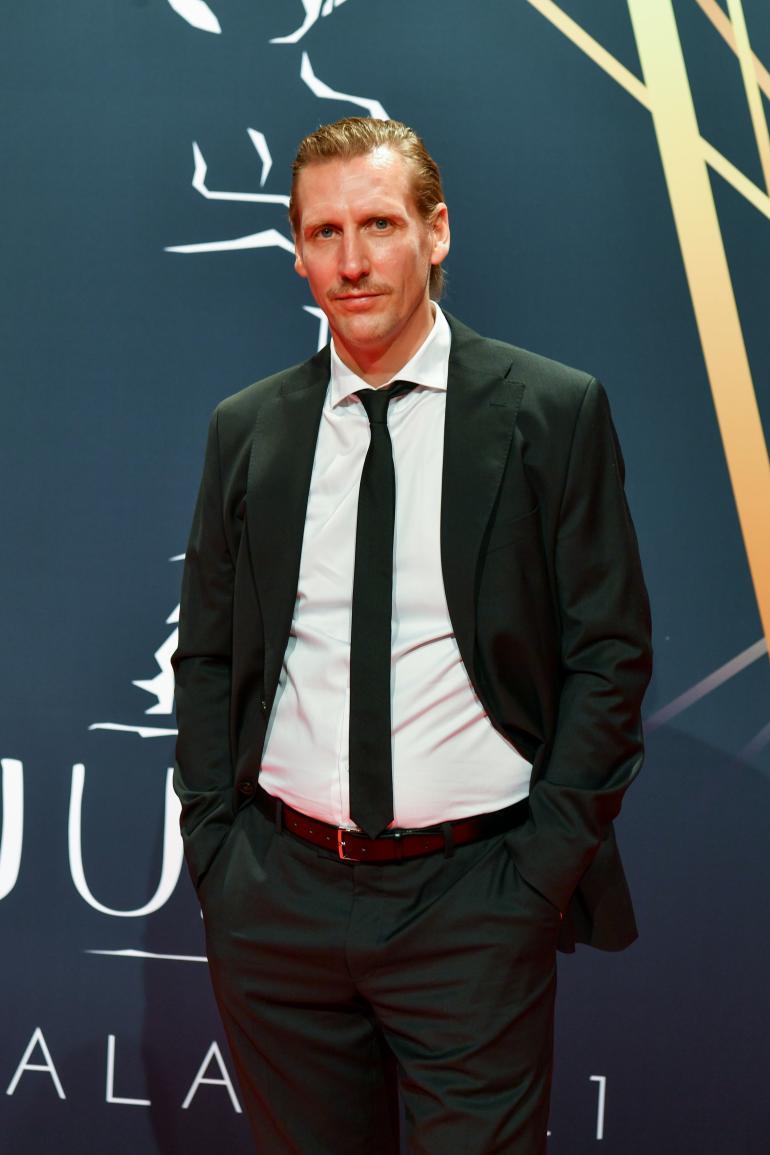 Pekka palkittiin viime vuonna parhaan miespääosan Jussilla elokuvasta Koirat eivät käytä housuja.