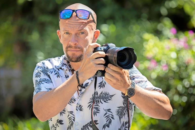 Henry aloitti tv-uransa ohjaamalla ja tuottamalla Speden Spelejä ja Kymppitonnia 1990-luvulla. Nykyisin mies harrastaa virtuaalivaluuttojen treidausta ja valokuvausta.