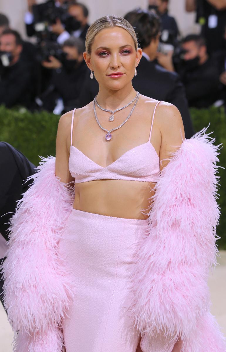 Kate Hudson saapui Met Gaalaan vain muutama tunti kihlausuutisen jälkeen.