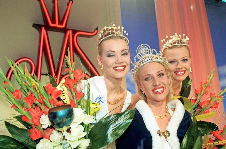 Saija kruunattiin toiseksi perintöprinsessaksi Miss Suomi -kilpailussa vuonna 1999.