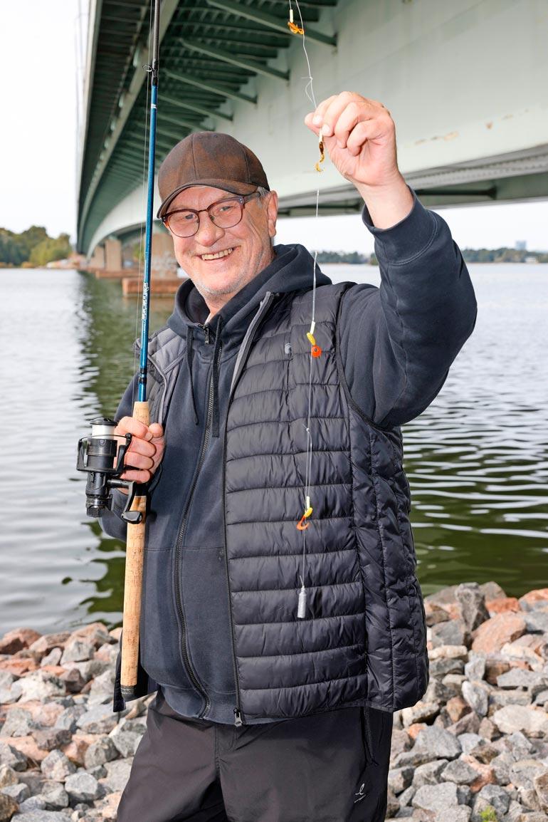 Eskon poika on perinyt kalastusharrastukseen isältään. – Minulle se on tullut puolestani omalta isältäni.