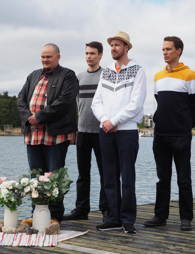 Stiinan puolisoehdokkaita ovat Veli-Matti (vas.), Tuomas, Juha-Pekka ja Arttu.