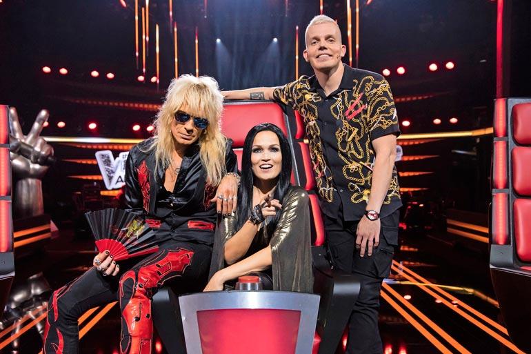 Elastinen The Voice of Finland: Allstars -kykykilpailuissa tuomarina Mike Monroen ja Tarja Turusen kanssa.