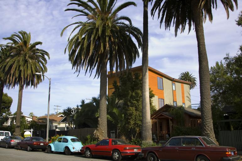 Renny Harlinin hulppea asunto Los Angelesissa.