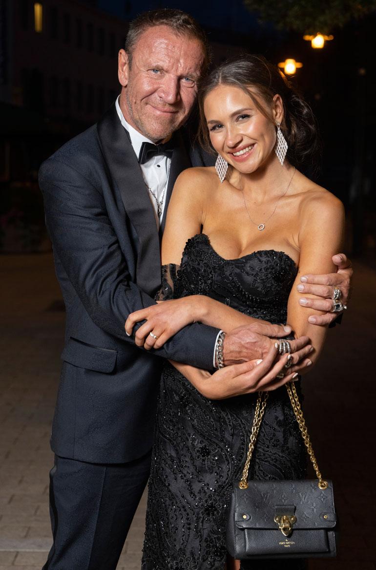Renny ja Johanna Harlin menivät naimisiin tänä vuonna vain vuoden seurustelun jälkeen.