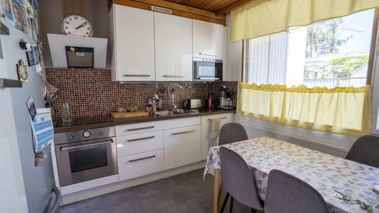 Tältä keittiössä näytti ennen muutosta