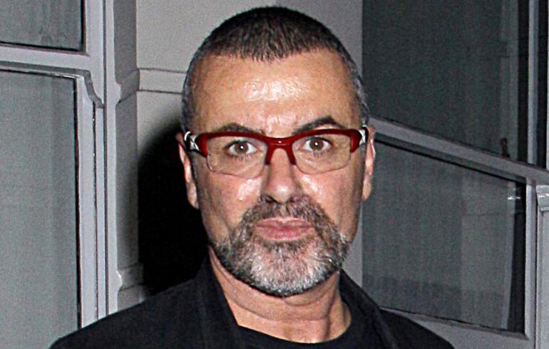 George Michael menehtyi sydänkohtaukseen – maailmantähdet surevat! | Seiska