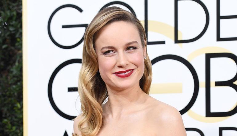 Oscar-voittaja Brie Larson poseeraa Golden Globe -gaalassa