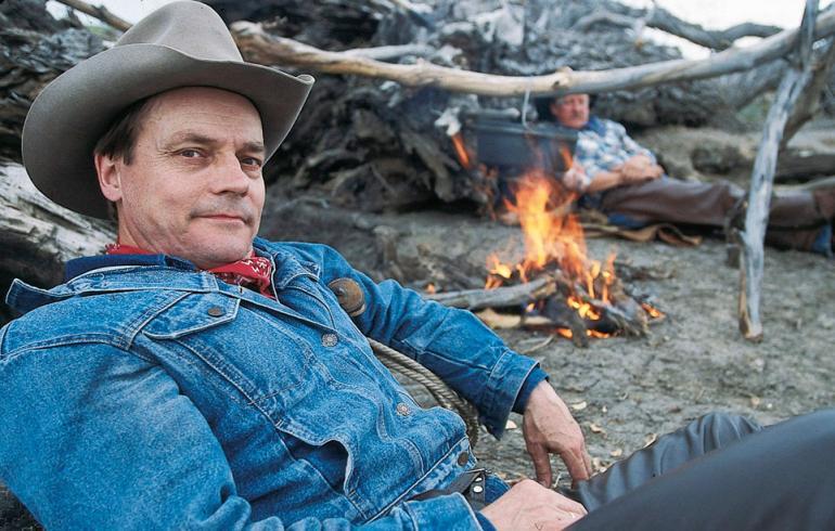 Edesmennyt Timo T.A. Mikkonen teki näyttävän uran - kuvat elämän varrelta   Seiska
