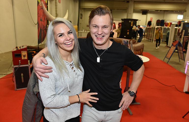 Eveliina Uosukainen ja Daniel Lehtonen Messukeskuksessa
