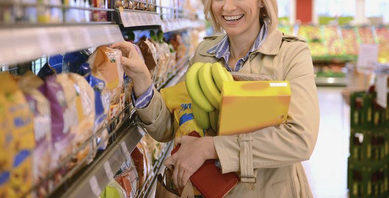 Nainen varasti tuhansien arvosta tuotteita.