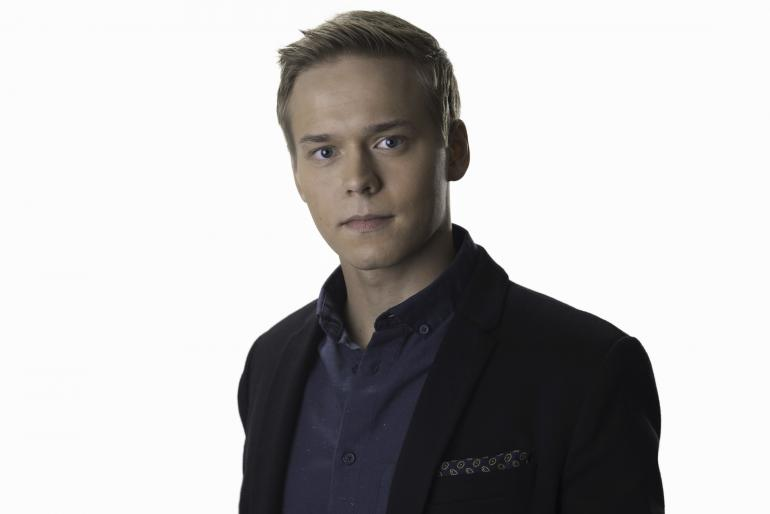 Petteri Paavola on Elias Salatut elämät -sarjassa.