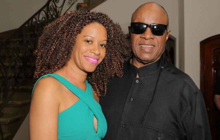 Laulaja Stevie Wonder ja Tomeeka Bracy
