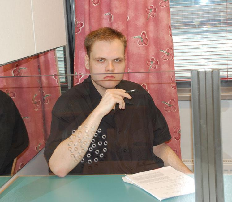 Käräjäoikeus vangitsi pakoilevan Markus Pöngän poissaolevana.