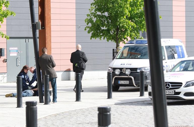 Poliisia tarvittiin rauhoittamaan puoluekokoustunnelmaa.