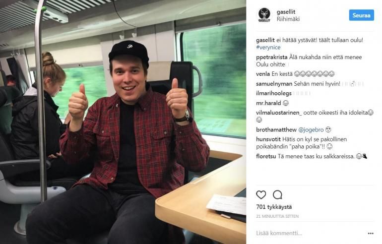 Hätis junassa