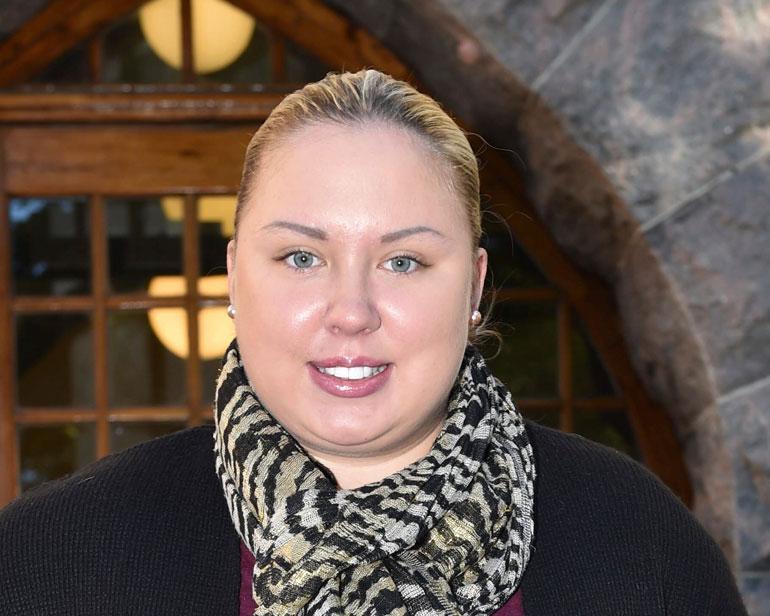 Henna Kalinainen Opetteli Eroon Itsetuhoisuudesta Vaikeista