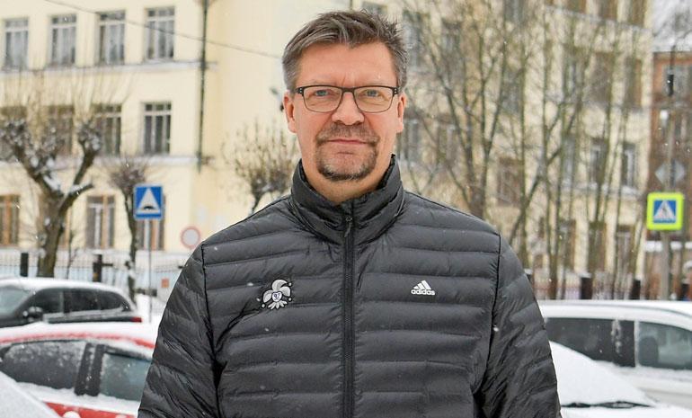 Jukka Jalonen valmentaa Jokereita.