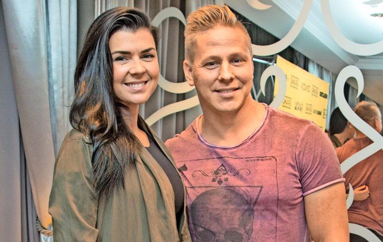 MArkus Pöyhönen erosi Ilona-rakkaastaan.