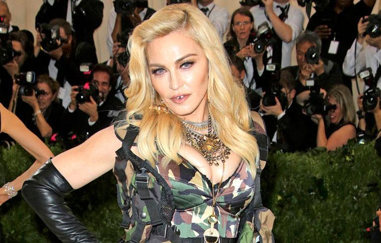 Madonna järjesti veljensä erikoishoitoon.