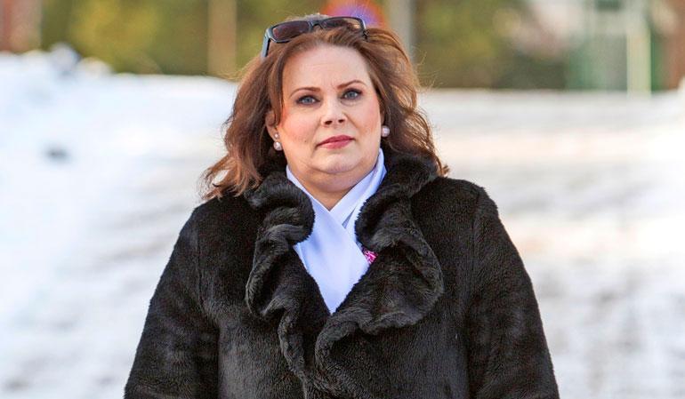 Nina Mikkosen äiti menehtyi.
