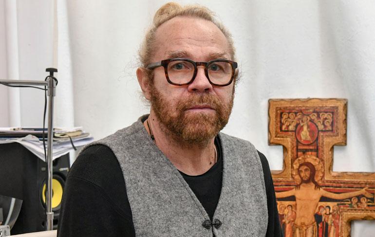 Jussi Parviainen esitteli kotinsa Seiskalle.