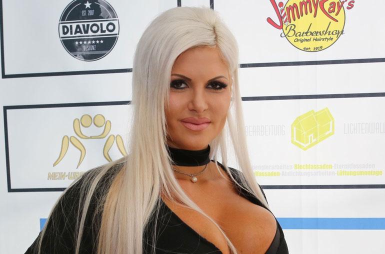 Sophia Vegasin povi käänsi katseita.
