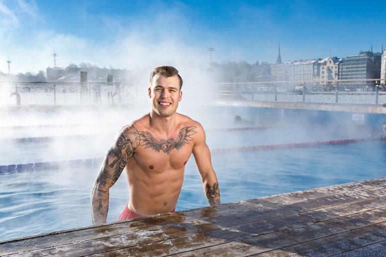 Aleksi Jorila poseeraa kuumissa kuvissa.