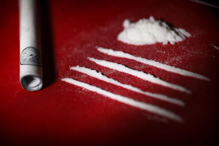 Lääkäri antoi uhreilleen kokaiinia.