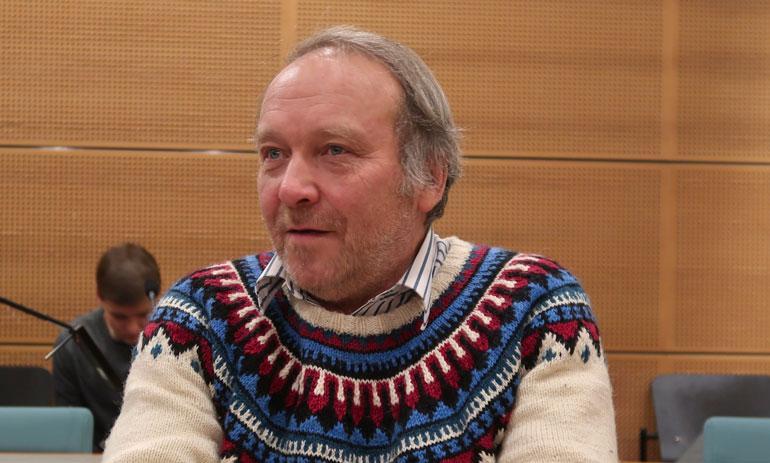 Teuvo Hakkarainen sai syytteen ahdistelusta.