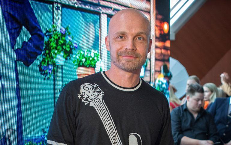 Juha Tapio saa perheestä vastapainoa keikkailulle.