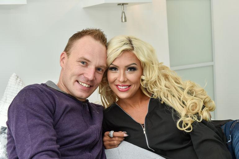 avio mies liittyi dating site