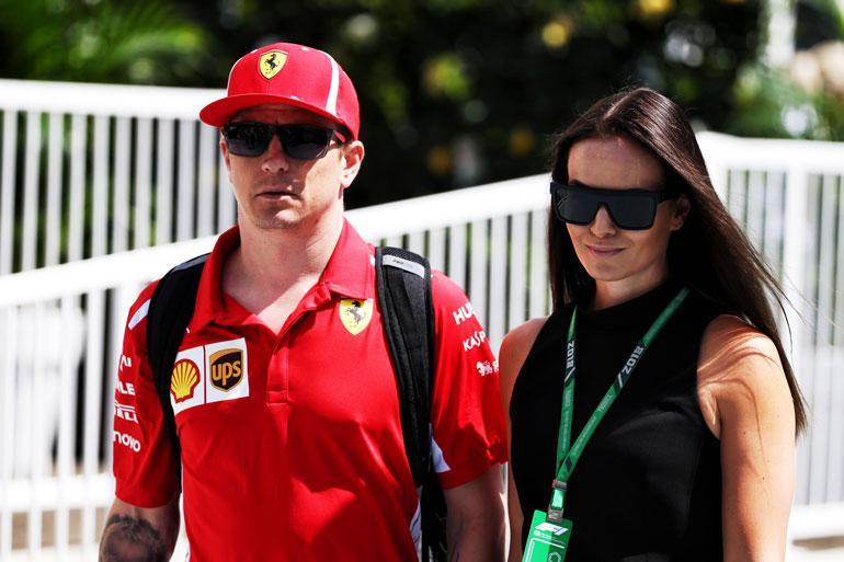 Kimi ja Minttu Räikkönen juhlivat hääpäiväänsä villisti.