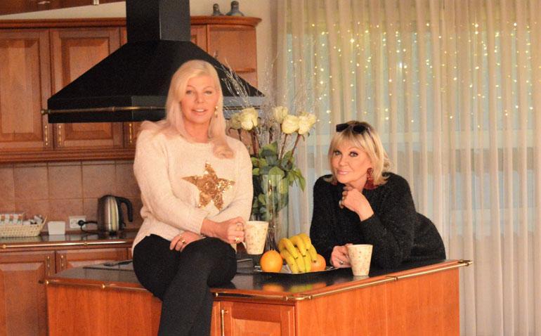Tiina Jylhä ja Hannele Lauri ovat ystäviä.