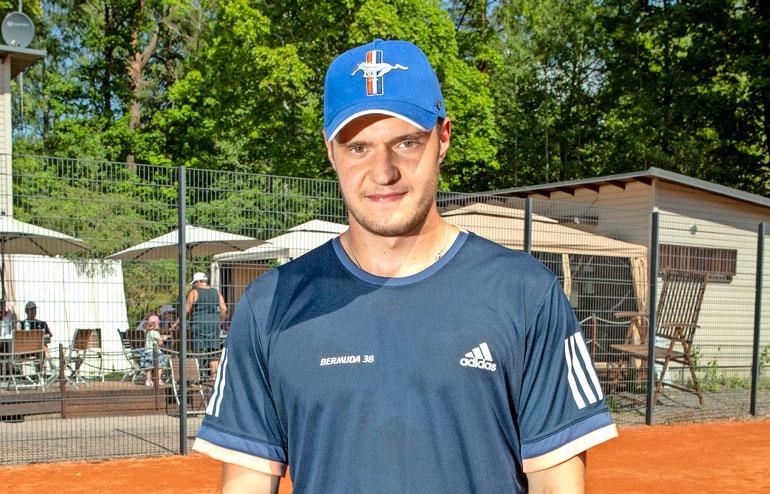 Aleksander Barkov osti ökytalon.