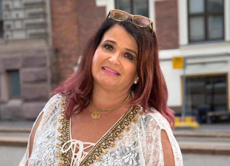 Meiju Suvas levytti Teflon Brothersin kanssa.