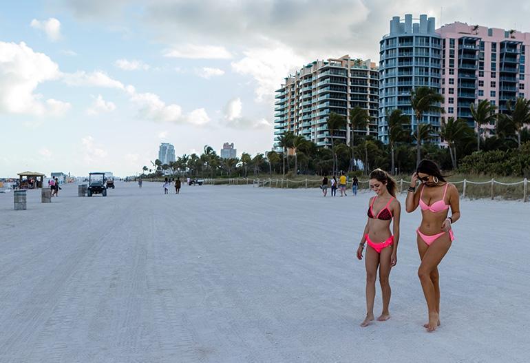 Claudia Romani ja Cloe Greco tekivät bikinikuvasession Floridassa.