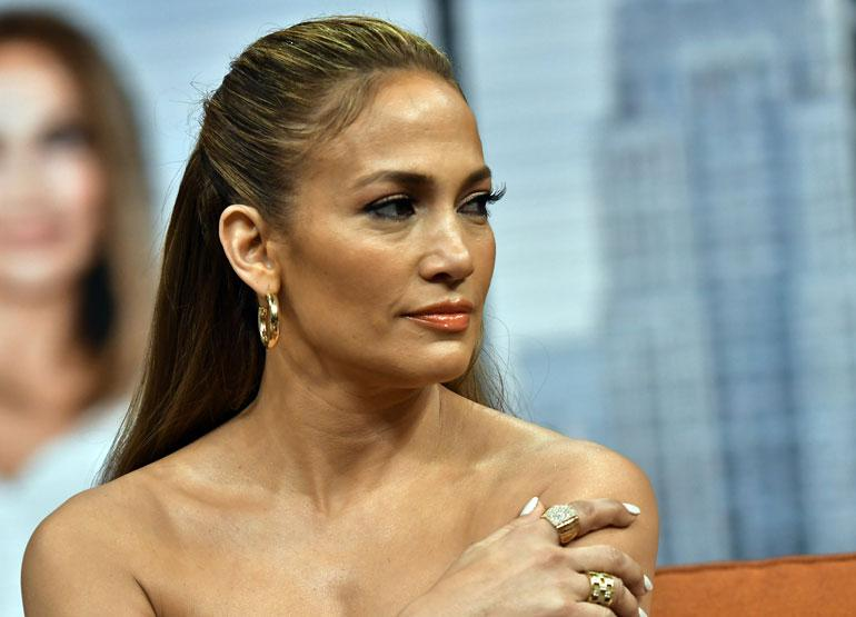 Jennifer Lopez kuvattiin kuntosalilla.