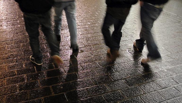 Uusi tuote suojaa kengät.