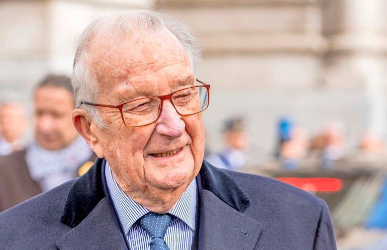 Belgian ex-kuningas Albert suostui isyystestiin.