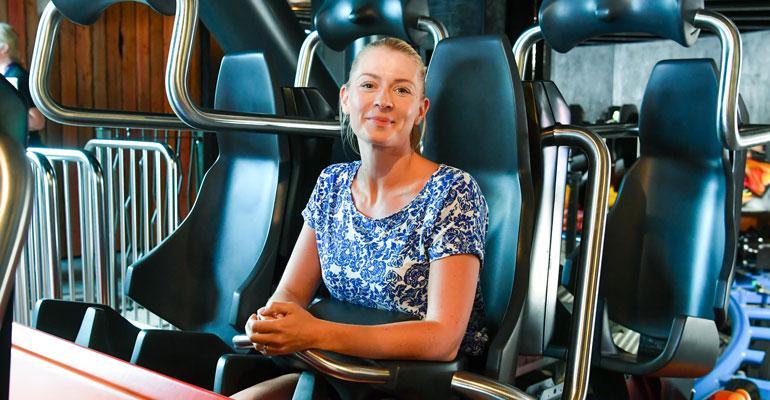 Monika Lindeman testasi lintsin uutuuslaitteen.