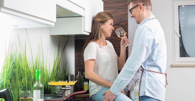 Keittiö on hyvä paikka seksille.