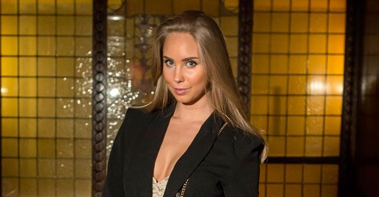 Sabina Särkkä juhli polttareitaan kuusi päivää.
