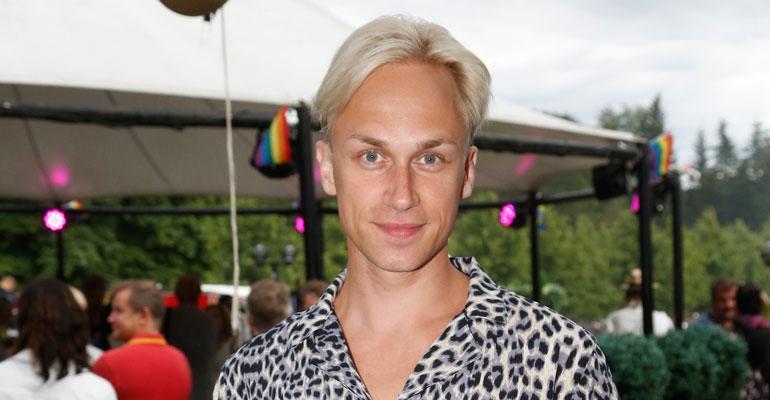 Christoffer Strandberg osallistui Pride-kulkueeseen.