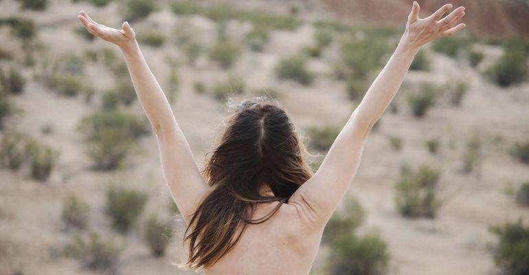 Topless-aktivisti vei asian oikeuteen.