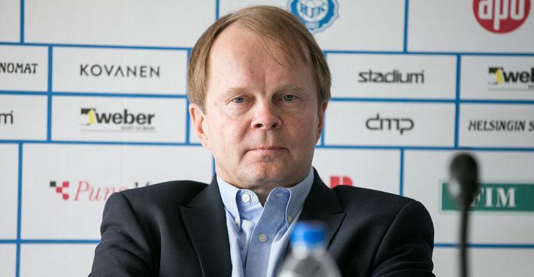Olli-Pekka Lyytikäinen kävi autokaupoilla.