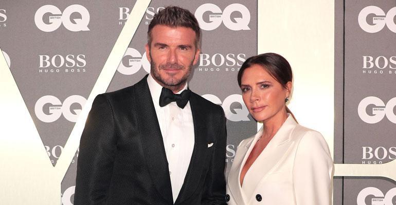 David ja Victoria Beckham lomailivat Elton Johnin veneellä.