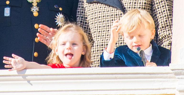prinsessa Gabriella ja prinssi Jacques muistuttavat vanhempiaan